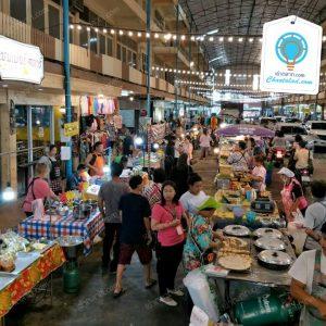 ตลาดเตาปูน - มณีพิมาน มีขายอาหารสด อาหารทั่วไป เสื้อผ้า ของใช้